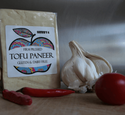 Tofu paneer with garlic, chilli and ginger